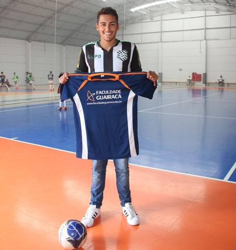 Atletas que iniciaram sua carreira esportiva na Escola de Futebol Futsal  Guairacá vêm brilhando em grandes clubes de futebol do país. 3c56efcece8cd