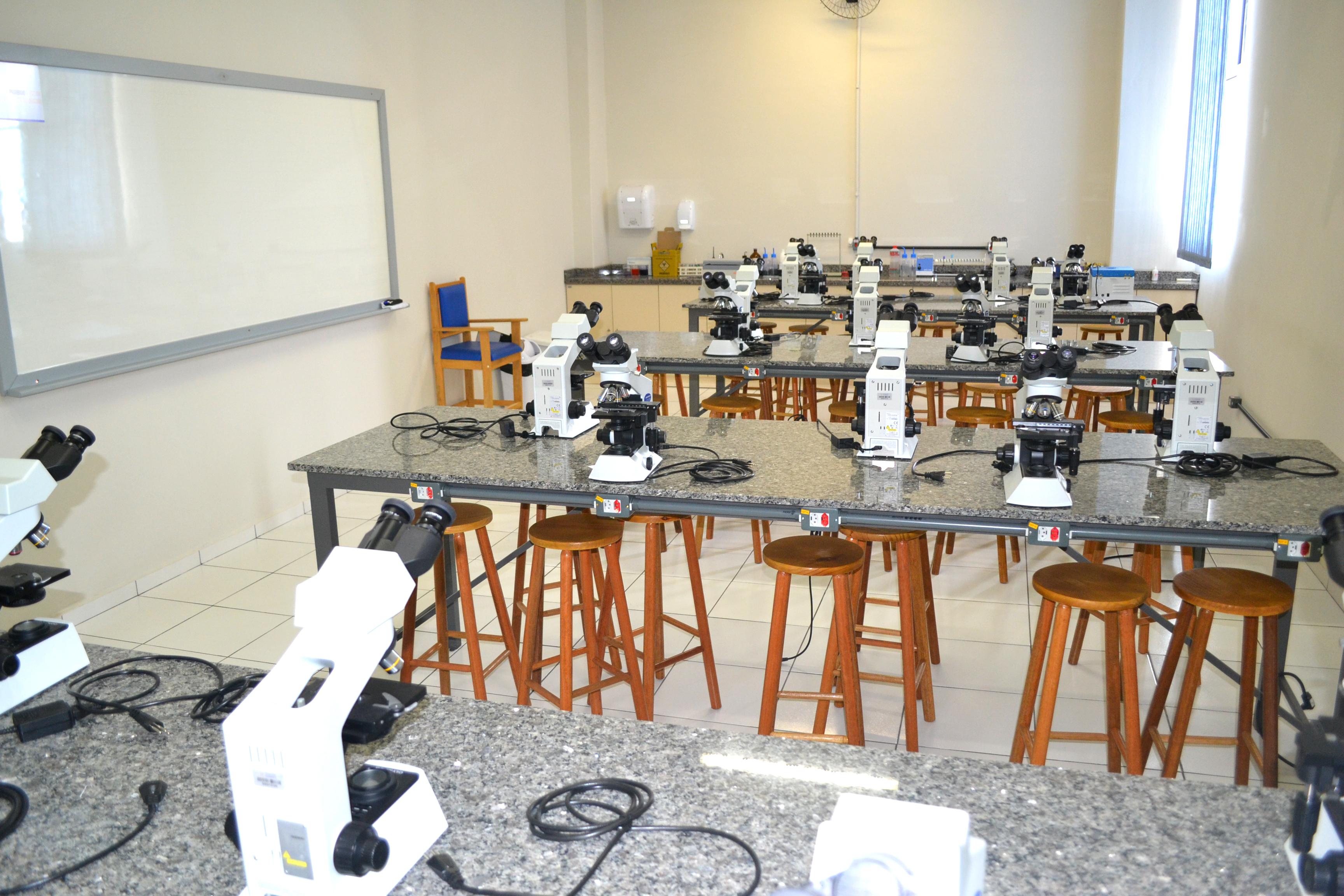 Laboratório de Hematologia e Citologia Clínica