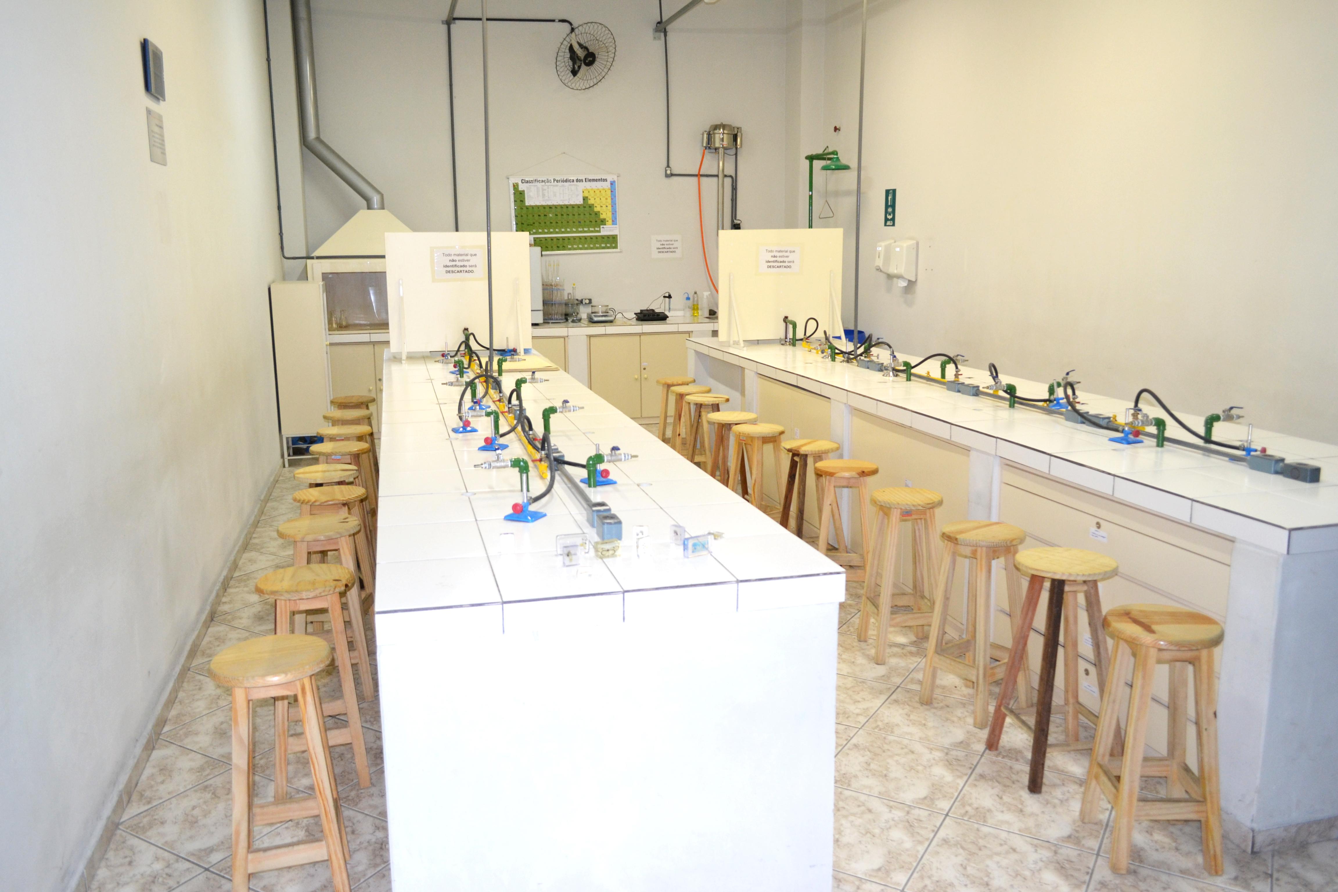 Laboratório de Química e Bioquímica