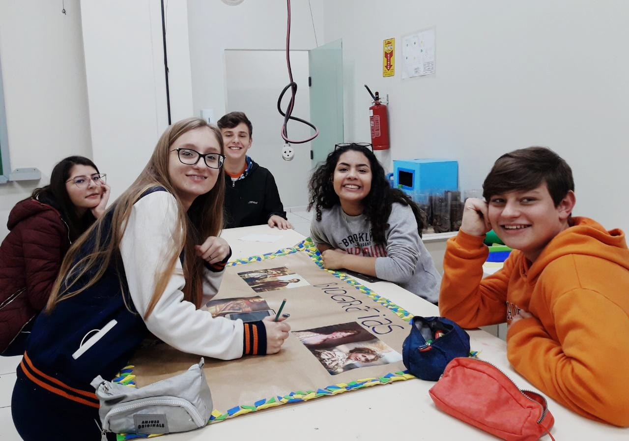 Trabalhos no Colégio Guairacá mostram o processo de independência do Brasil