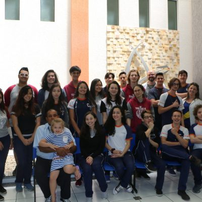 Formandos do Colégio Guairacá são homenageados