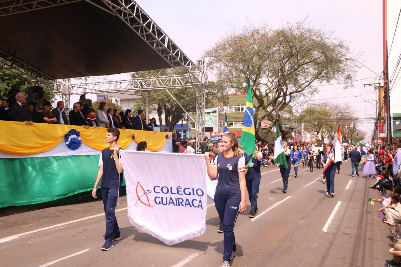 Colégio Guairacá participa do desfile cívico de 7 de setembro