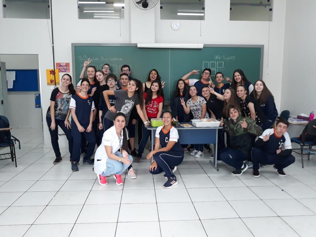 Atividade lúdica no Colégio Guairacá testa conhecimentos da disciplina de História