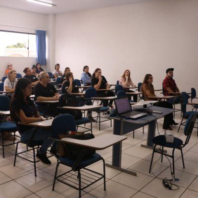 Colaboradores do Colégio Guairacá recebem orientações para prevenção ao COVID-19