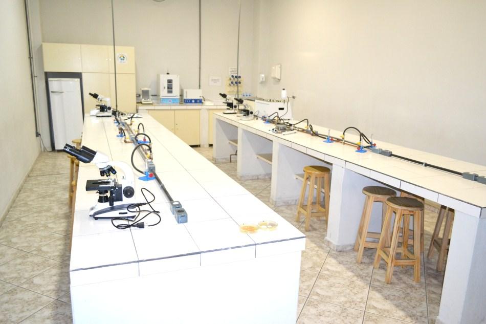 Laboratório-de-Microbiologia